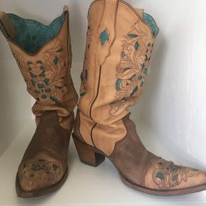 Fashionable Turquoise cow boy boots